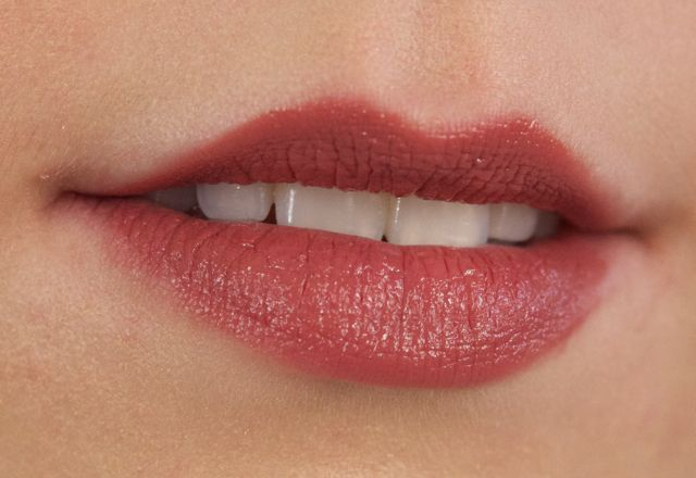 bobbi brown desert rose lipstick review