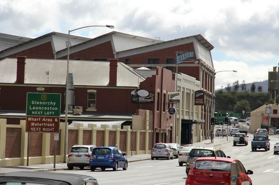 old woolstore apartment hotel hobart reviews