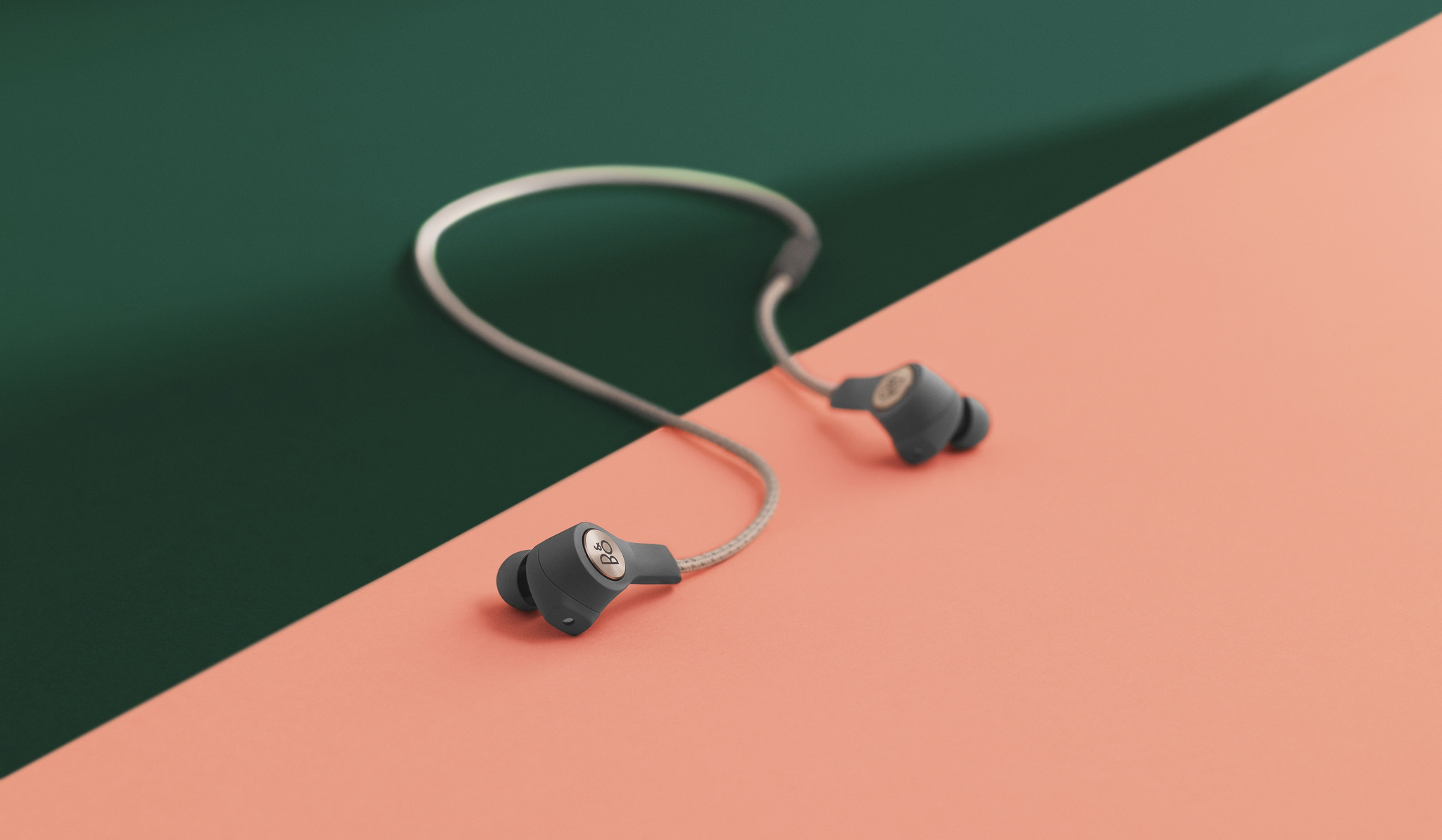 b&o beoplay h5 in ear wireless headphones review