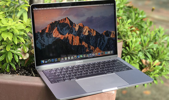 apple macbook pro 15.4 review